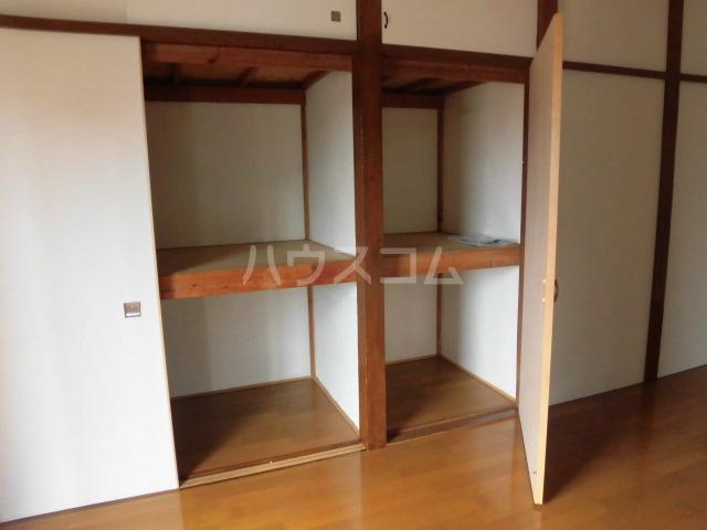 第2ひばり荘 00102号室の収納