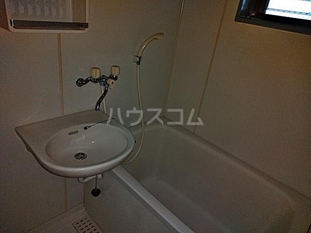 第2フラッツ京明 204号室の風呂