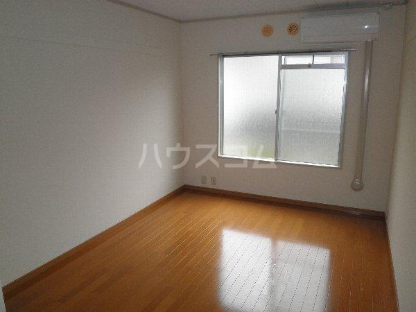 エルム国分寺 218号室の居室