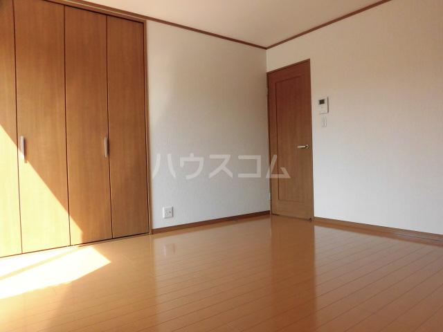 マイホーム柴崎2 201号室の居室