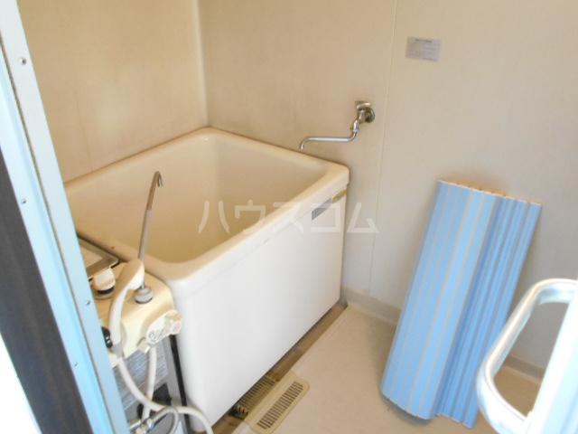 フラット津久井 202号室の風呂