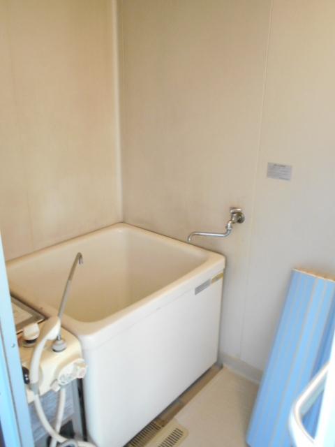 フラット津久井 203号室の風呂
