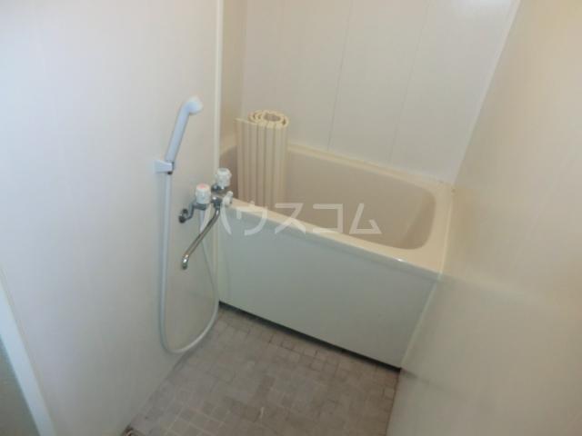 ユニバース・7 302号室の風呂