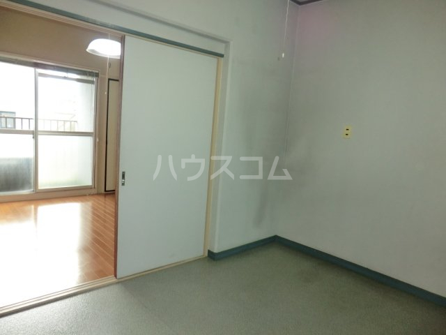 ユニバース・7 302号室の居室