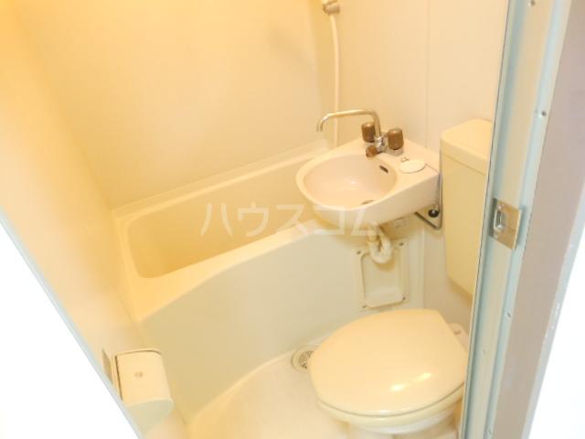 リビエール林 506号室の洗面所
