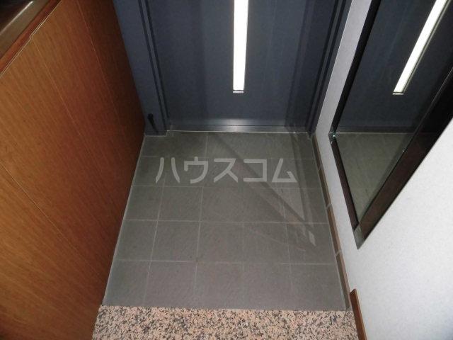 レールシティ八王子かえで通り 605号室の玄関