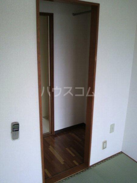 カレッジK 2-B号室の収納