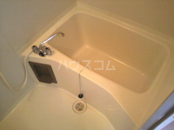 カレッジK 2-B号室の風呂