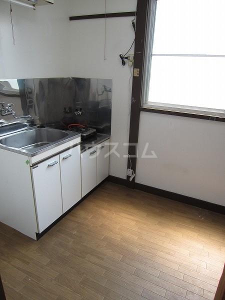 うるま荘 207号室のキッチン