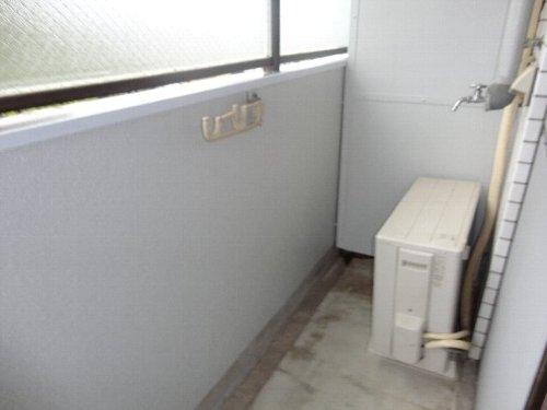 グランディール嵯峨 212号室のバルコニー