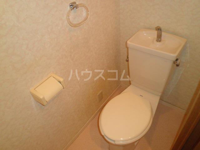 ディオフェルティ泉大津 701号室のトイレ