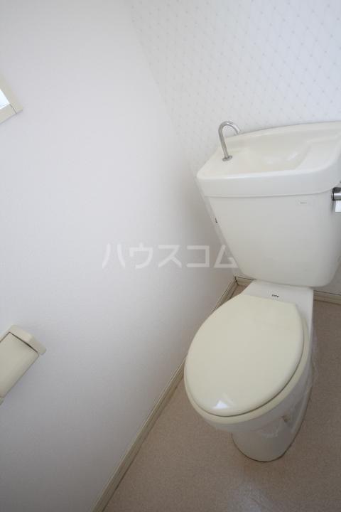 岡本ハイツ 101号室のトイレ