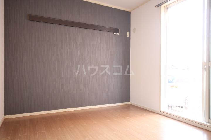 岡本ハイツ 101号室の居室