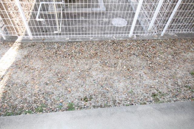岡本ハイツ 101号室の庭