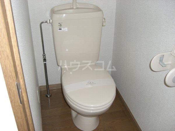 アムールS 102号室のトイレ