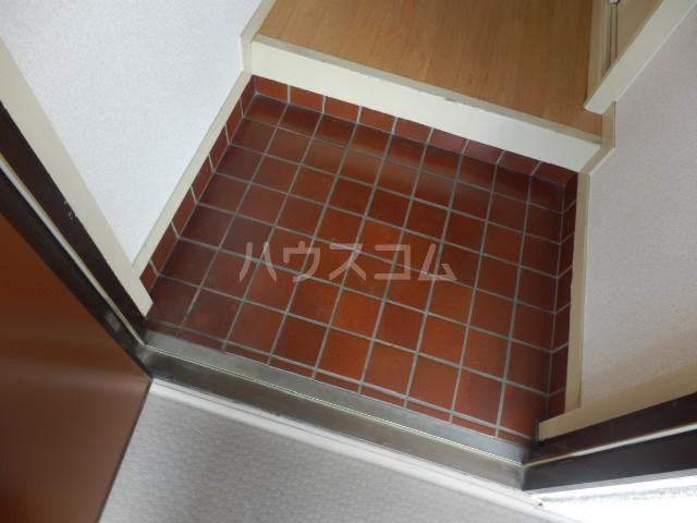 第5昭栄マンション 401号室の玄関