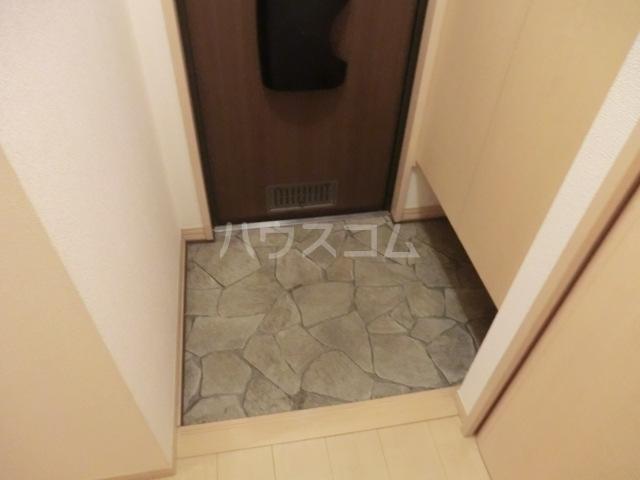 イヴェール 202号室の玄関
