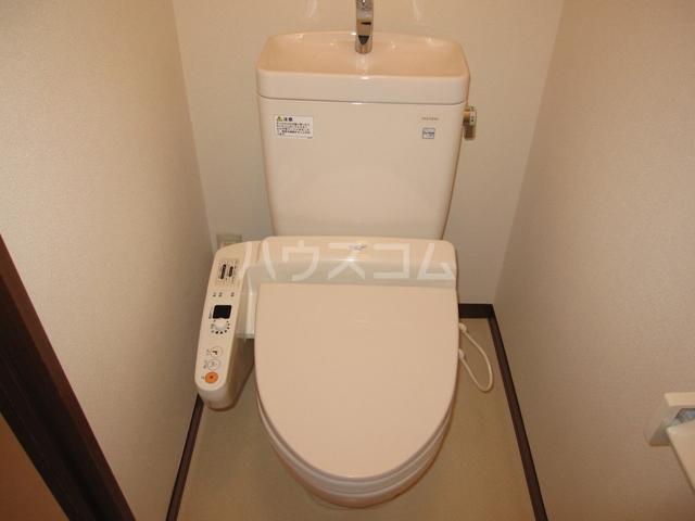 グレイスピュア 106号室のトイレ