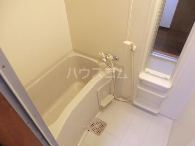 伊藤ハイム 202号室の風呂