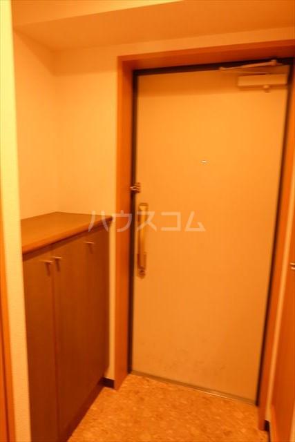 ゴールドステージ 307号室の玄関
