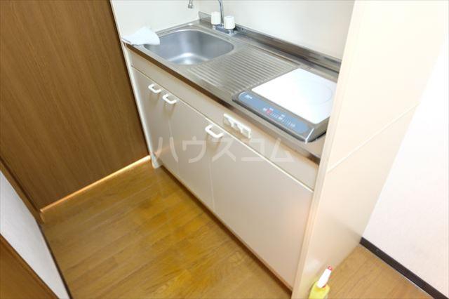ベルファーレヒルズ 103号室のキッチン
