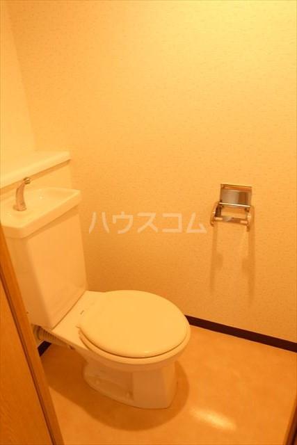 桜フラッツ 202号室のトイレ