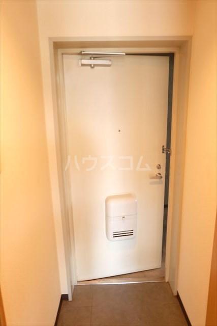 桜フラッツ 202号室の玄関