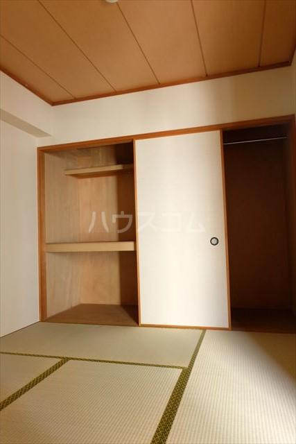 桜フラッツ 202号室のベッドルーム