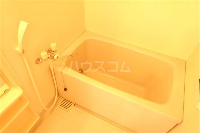 カーネスマンション 301号室の風呂