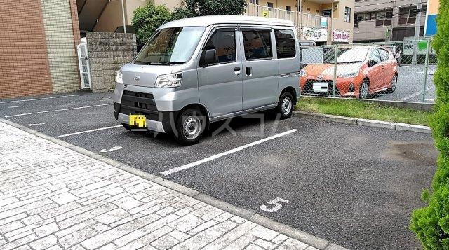 マーブル北戸田 201号室の駐車場