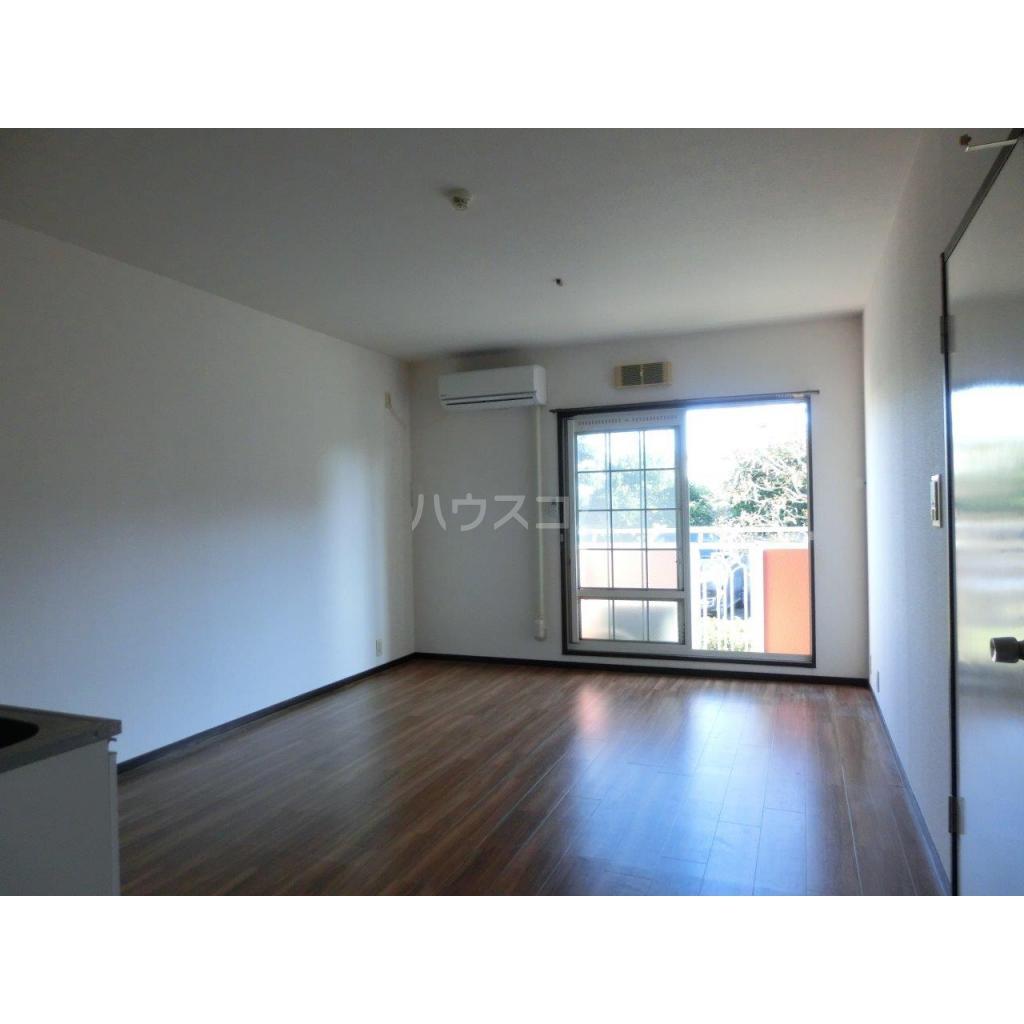 コートベルバレーⅡ 305号室の居室