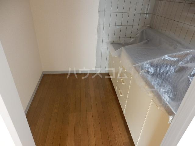 シティルミエール西浦和 205号室のキッチン