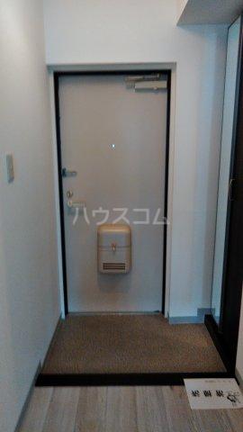 ドゥボヌール 305号室の玄関