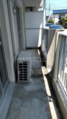 ドゥボヌール 305号室のバルコニー