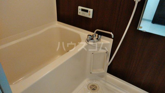 ドゥボヌール 305号室の風呂
