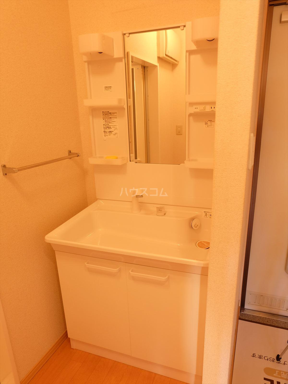 グランメール 201号室の洗面所