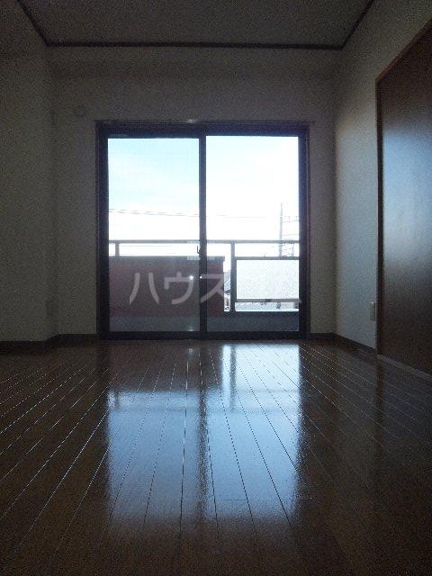 栗原マンション 302号室の居室