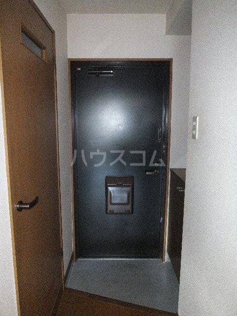 栗原マンション 302号室の玄関