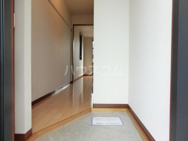 エアルースⅡ 205号室の玄関