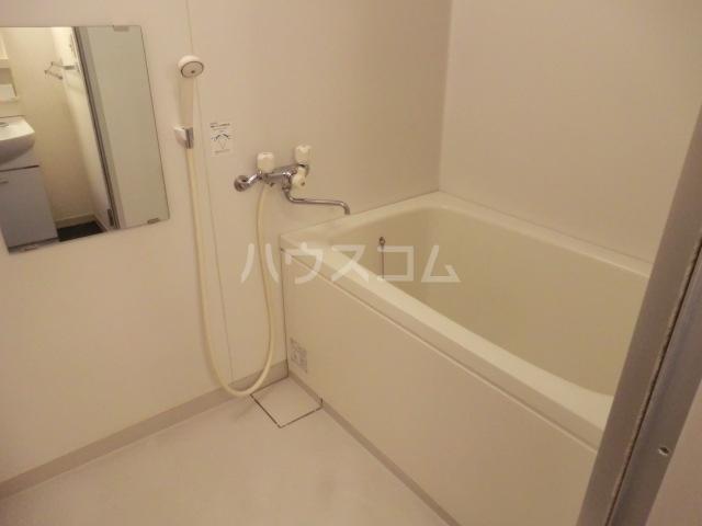 ローズガーデン 102号室の風呂