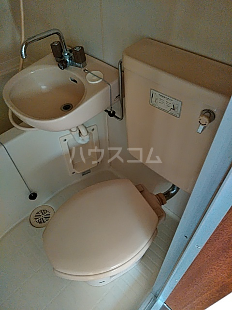 メゾンツバサ 102号室のトイレ