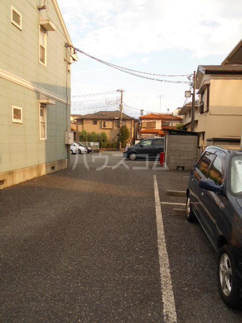 サンタシティー 1-202号室の駐車場