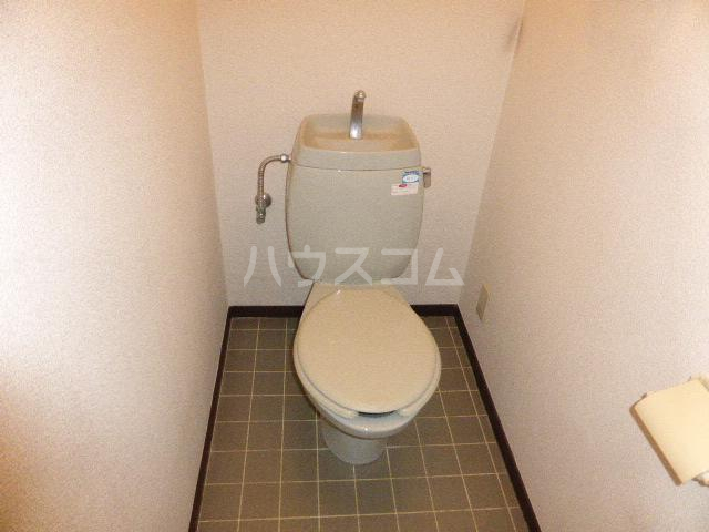ビラージュYS・B棟 302号室のトイレ
