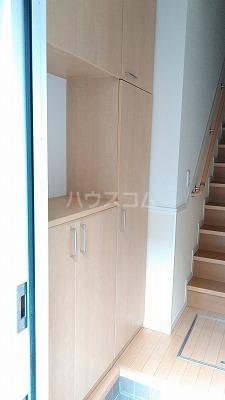 ヘリオス 202号室の玄関