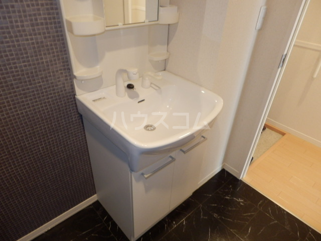Ohana Hare B 205号室の洗面所
