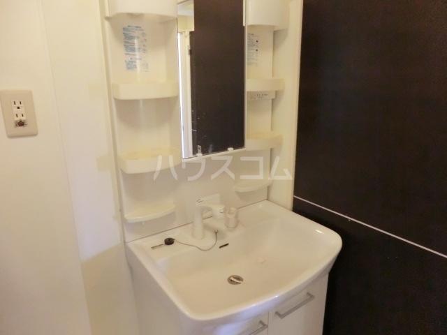 トワメゾン Ⅱ 102号室の洗面所