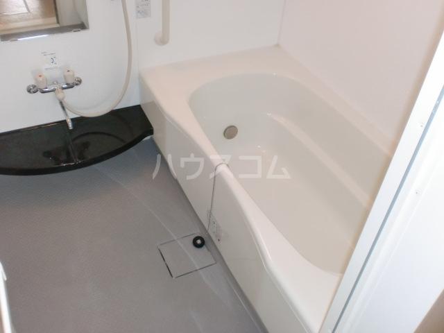 プリムローズⅡ 201号室の風呂