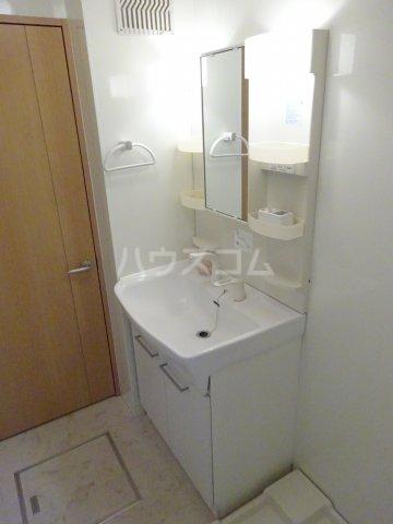 プリムヴェール十二番館 205号室の洗面所