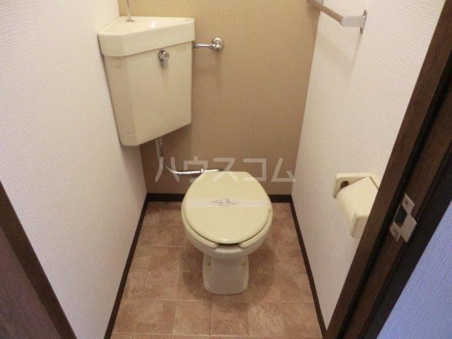 ファミーユ友光 109号室のトイレ