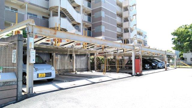 コーポレート浦和別所 402号室の駐車場